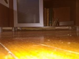 Concave lower shelf closet, bad furniture