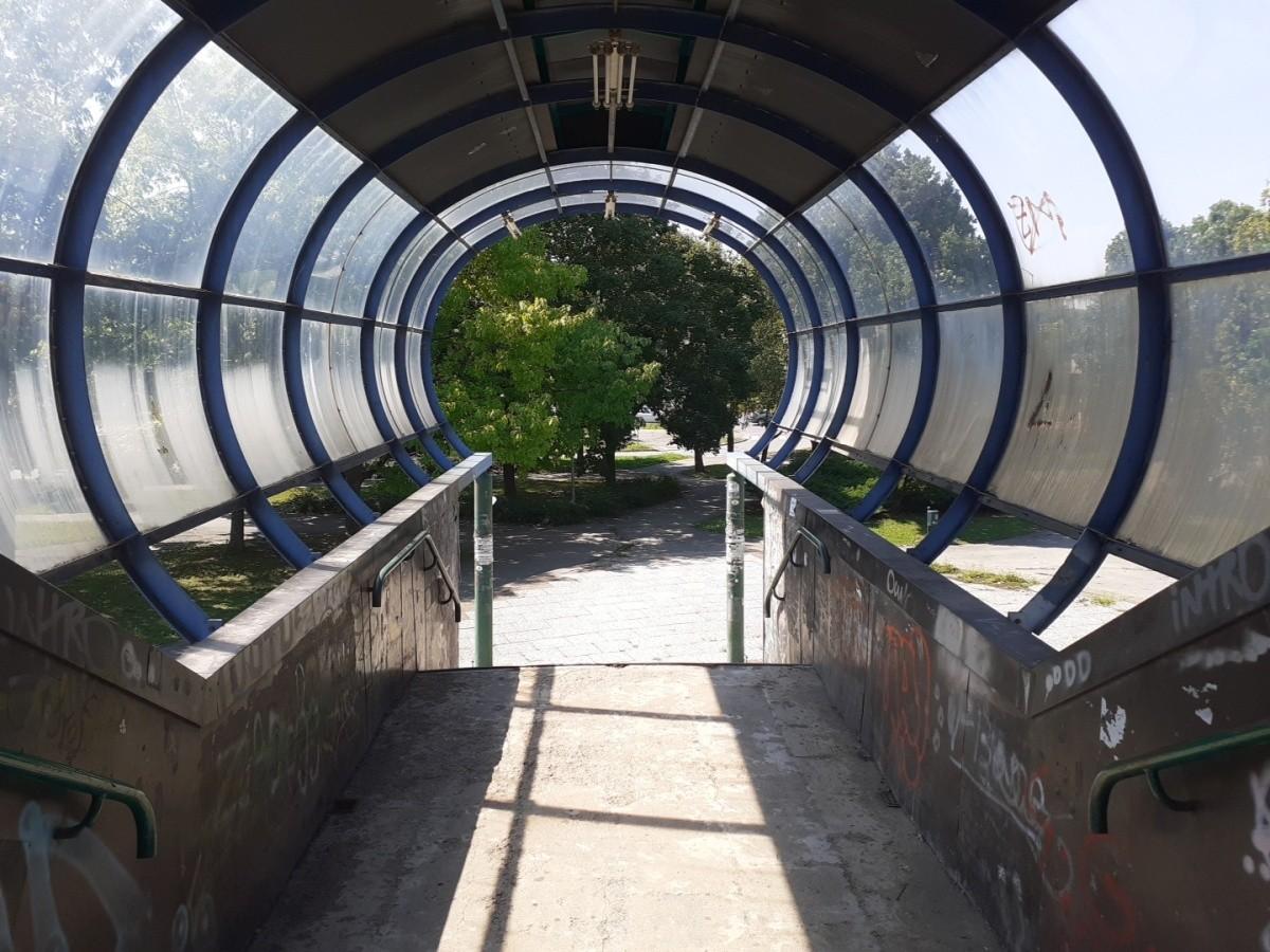 entry inside pedestrian bridge