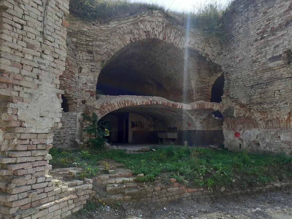 ruin Brod fortress