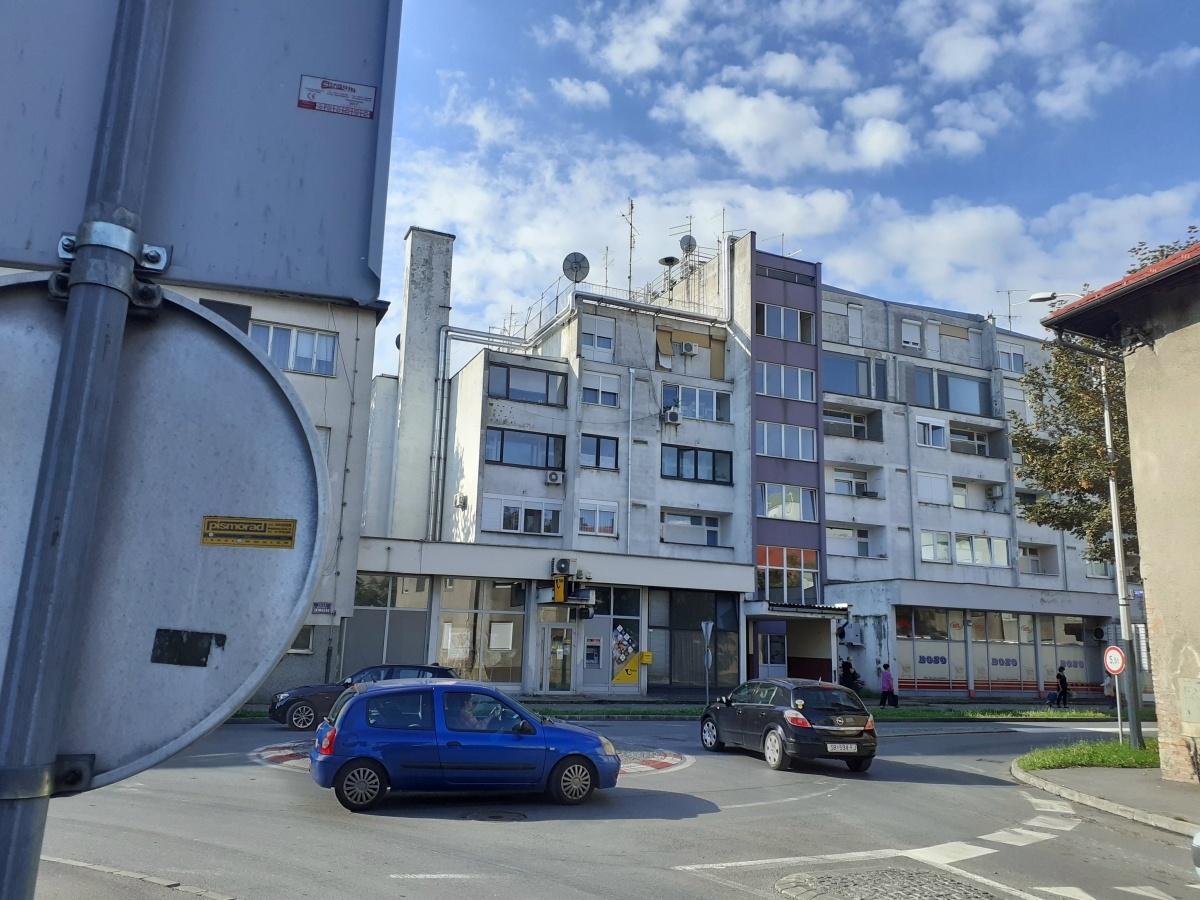 facade installation pipe equipment residential buildings pompidou center 8