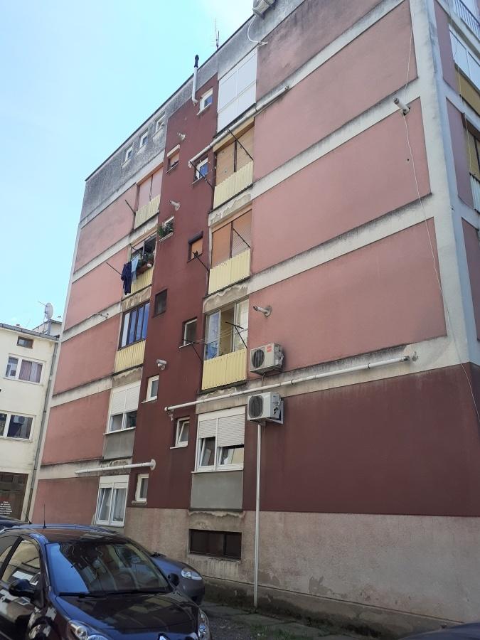facade installation pipe equipment residential buildings pompidou center