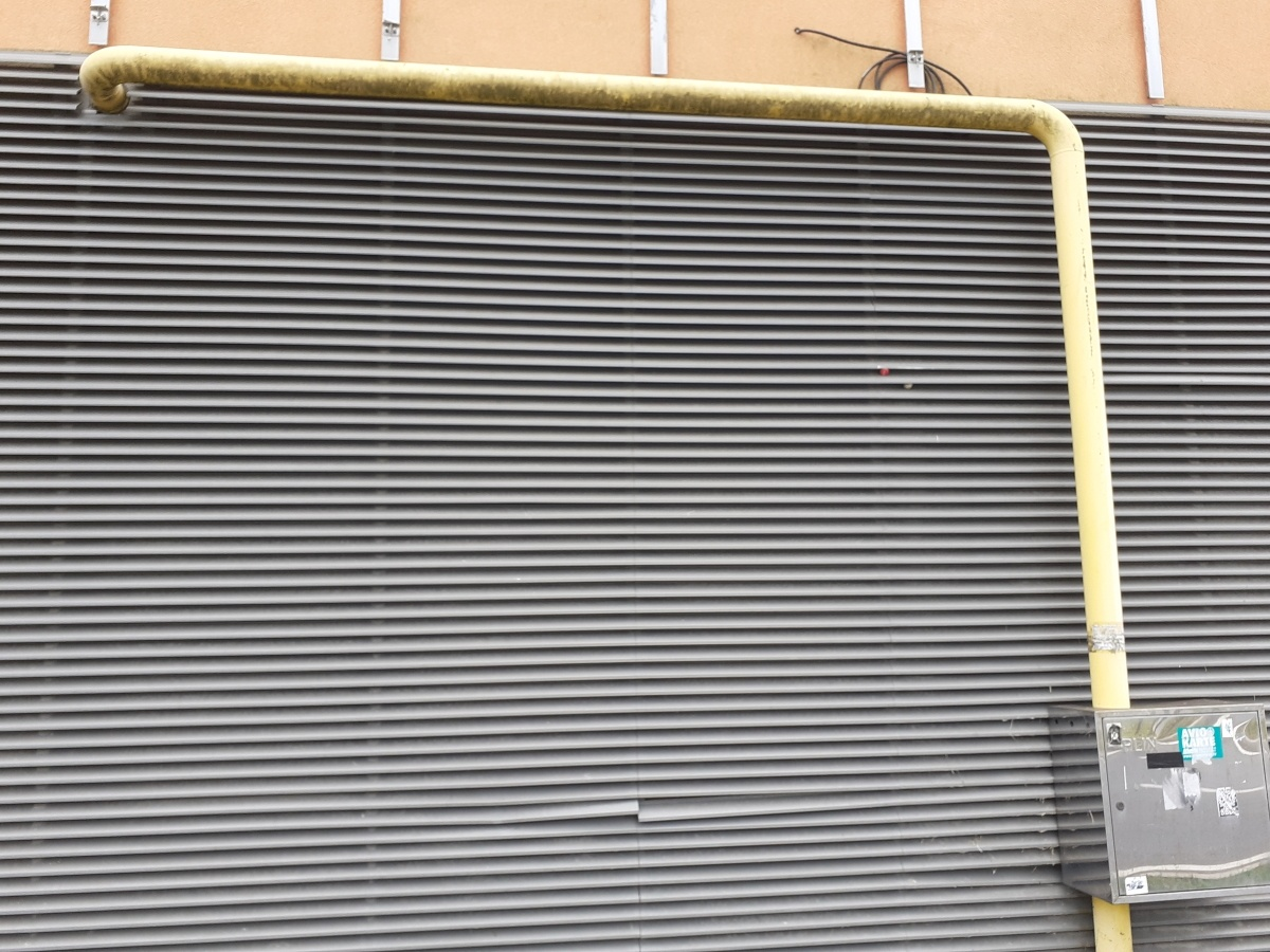 facade installation pipe equipment residential business buildings pompidou center