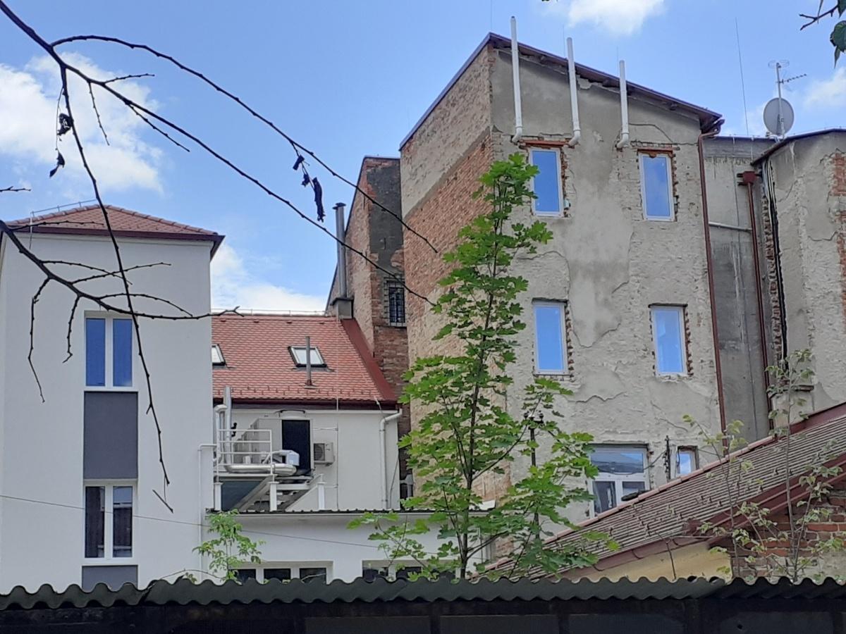 facade installation pipe equipment social buildings pompidou center