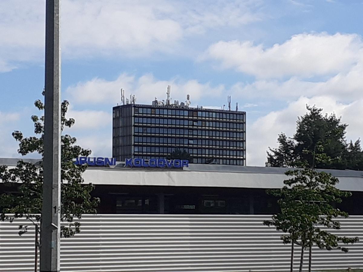 roof installation equipment buisness buildings pompidou center