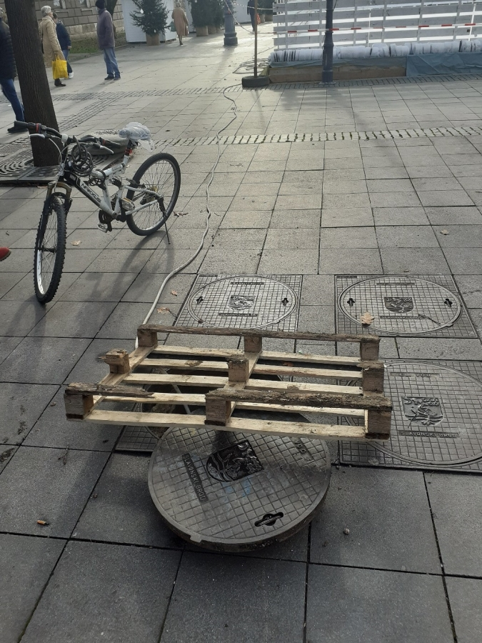 manhole protection