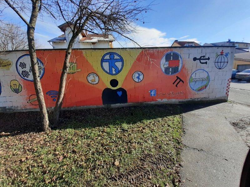 school wall2