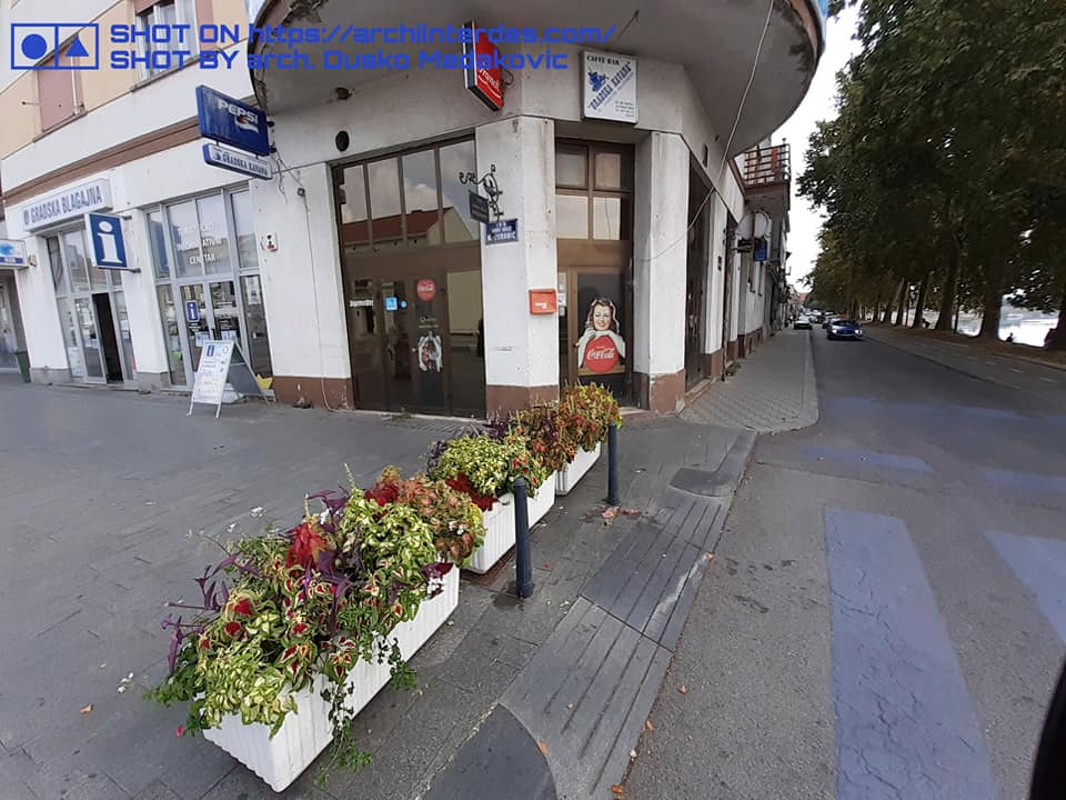 pot-flowers-obstacle-pedestrian