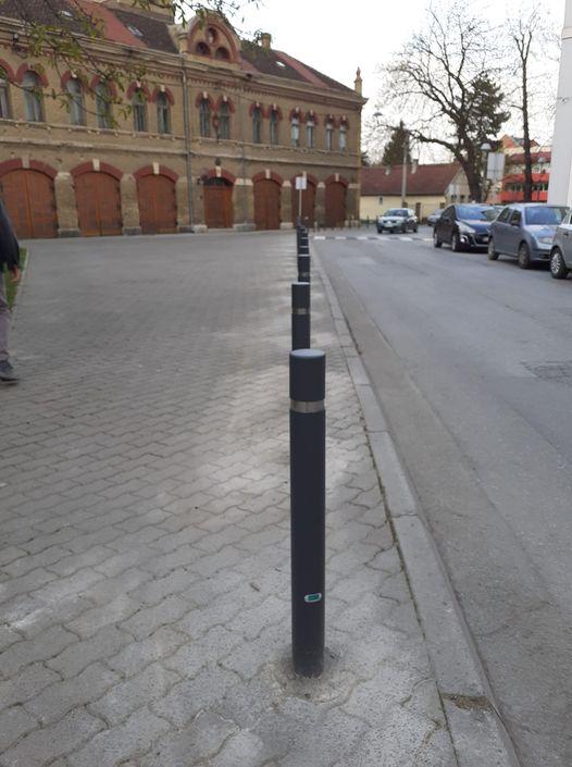 traffic-poles3