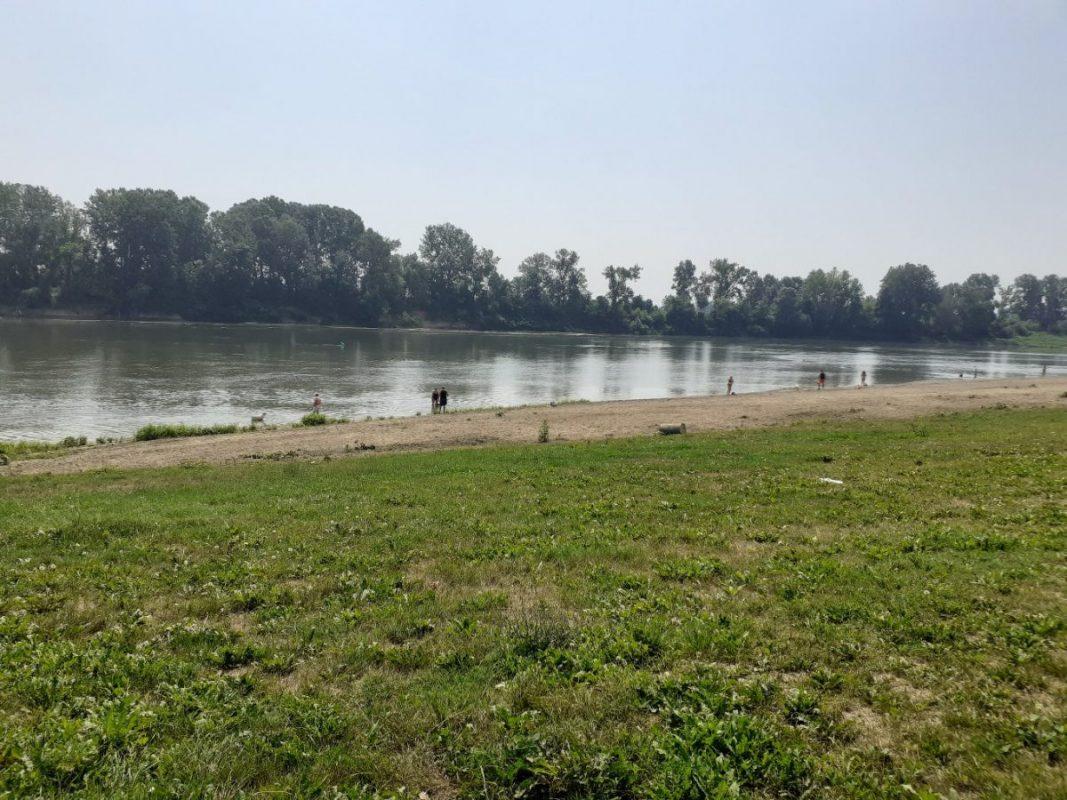 river beach34